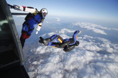 skoki spadochronowe szkolenie AFF