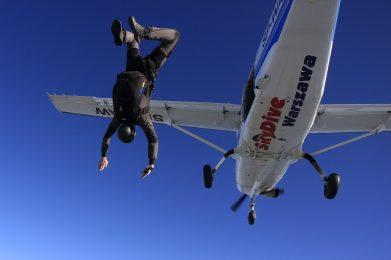 skok z samolotu chrcynno